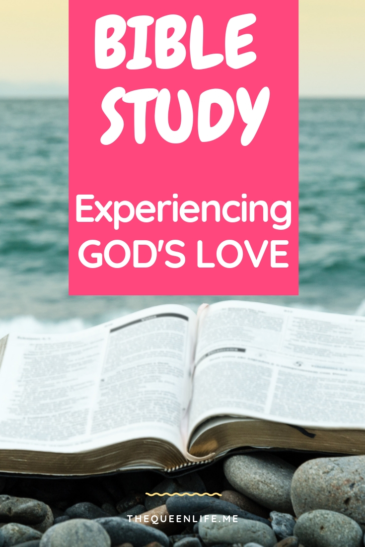 Wanna experience God's love on a deeper level? Check out these bible verses on God's love along with tips to grow in God's love today.. #biblestudy #bibleverses #biblescriptures